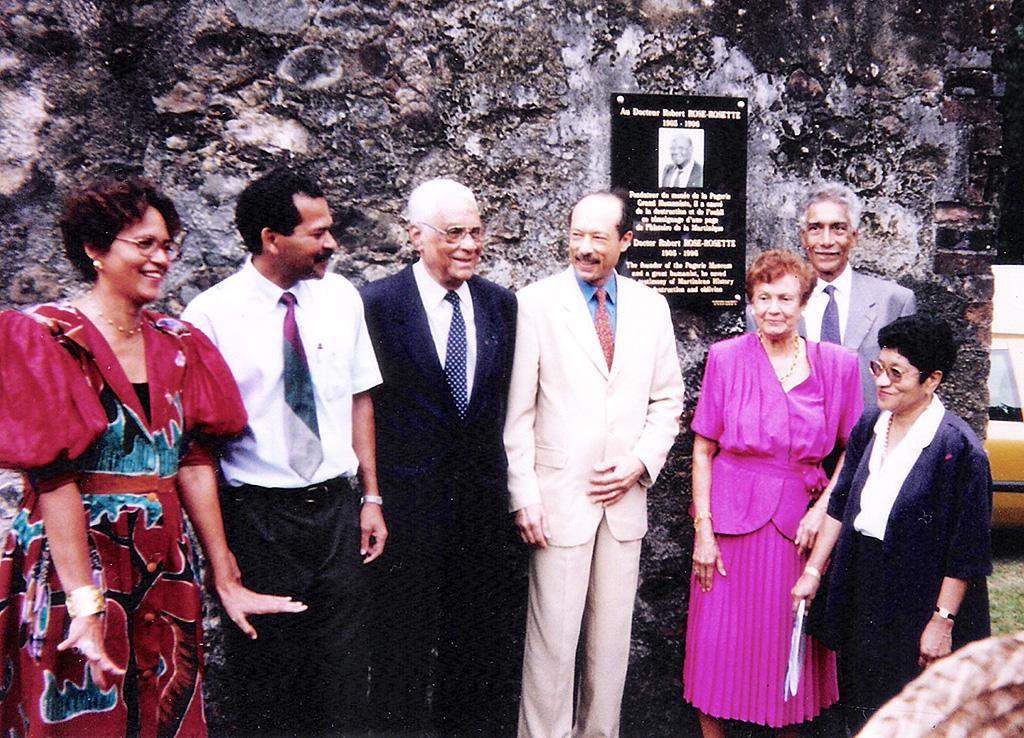 r_rose_rosette_inauguration-plaque